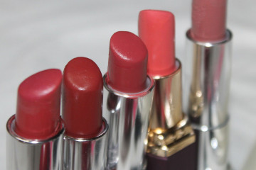 Make-Up-Bag-Essentials
