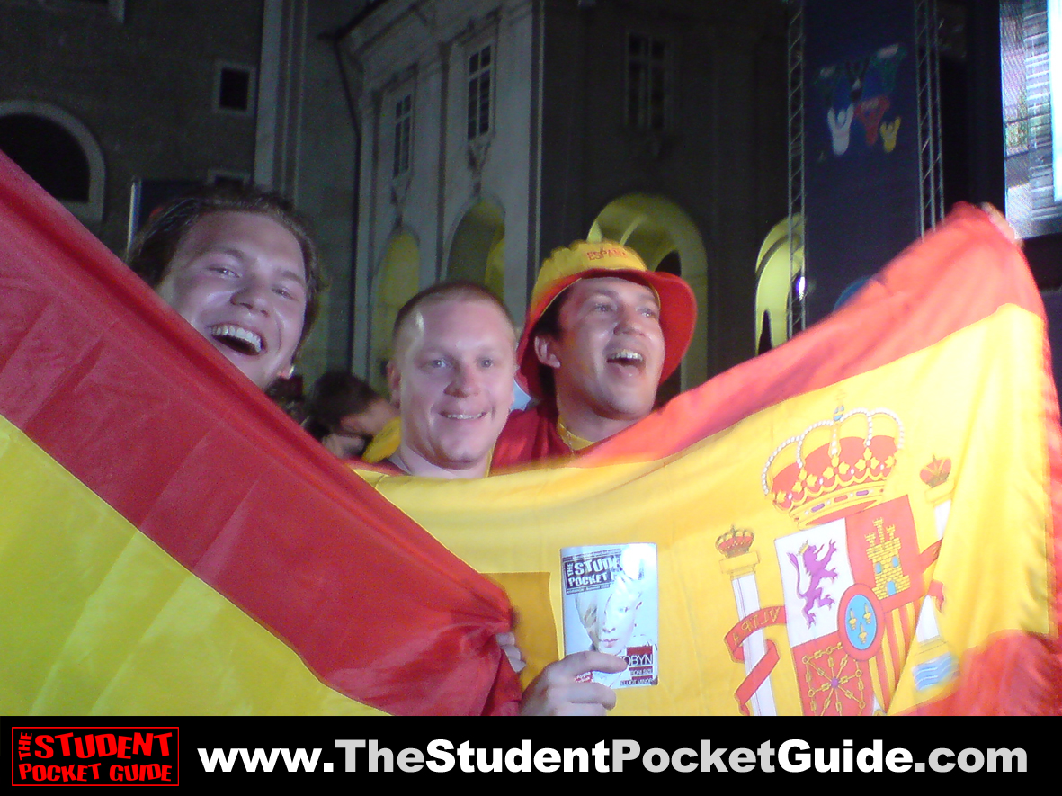 Issue-9-Spain3 The Student Pocket Guide_SPG on Tour_