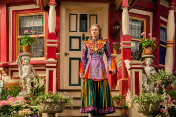 """In this image released by Disney, Mia Wasikowska appears in a scene from """"Alice Through The Looking Glass."""" (Peter Mountain/Disney via AP)"""