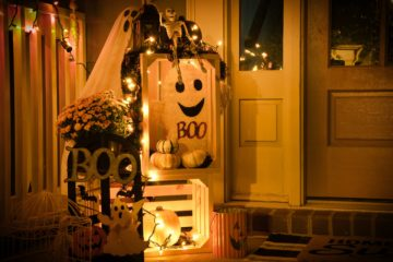 | Inexpensive | Decorate Your Student House For Halloween Weekend